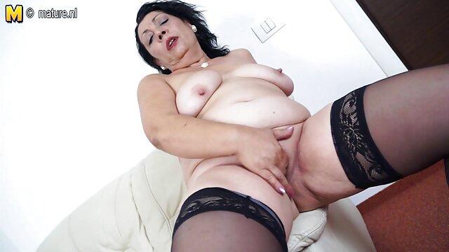 Shion érett nők szex videók Cooper lovagol egy kakas a muffin