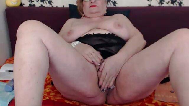 Vékony, barna rábaszik a sex videok erett neccharisnya, magas sarkú