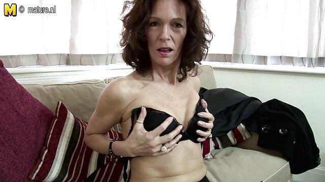Harisnya eret szex lap csajok Chloe Amour, Karla Kush van Hármasban.