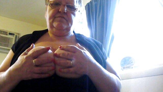 A szexi vörös Penny Pax szívás faszok eret szeksz