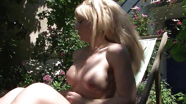 über-aranyos T-modell szuper-szexi szuper-forró érett sex lap seggét szántás